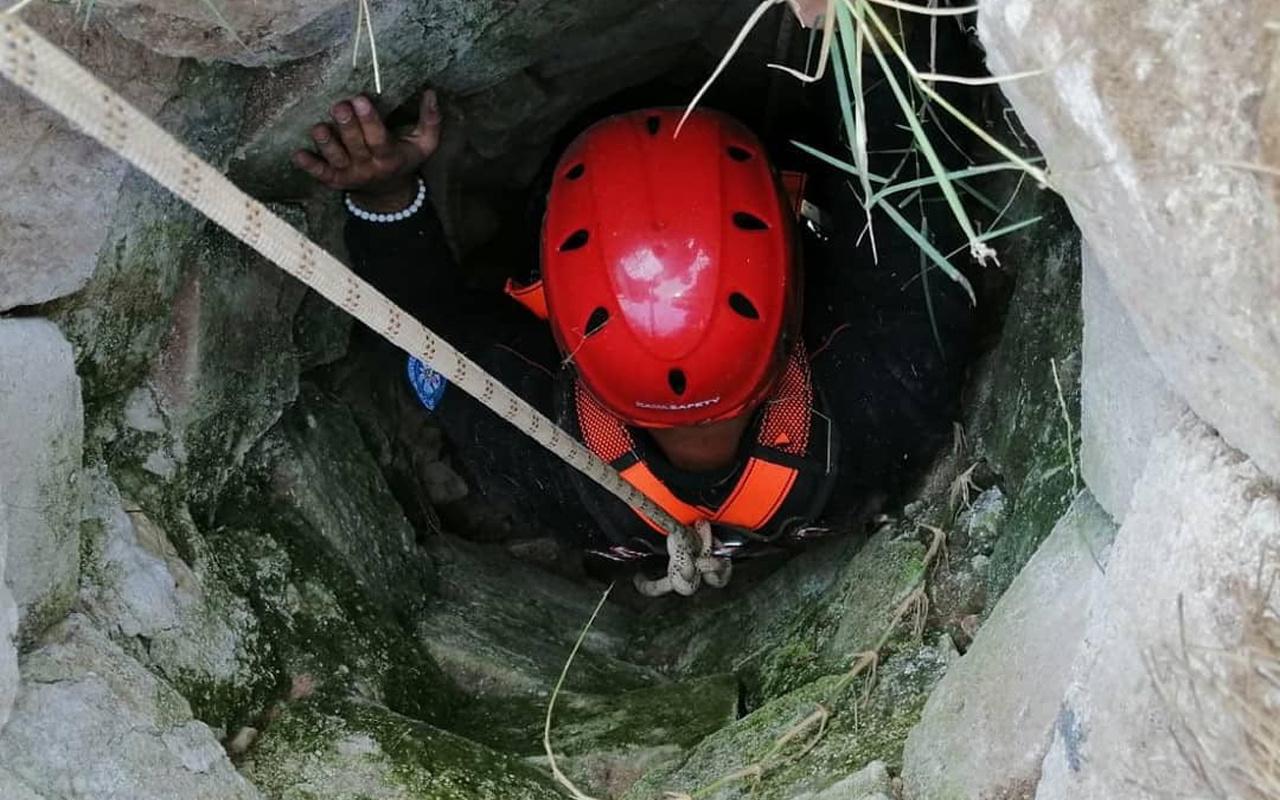 Manisa'da itfaiye seferber oldu! 8 metrelik kuyudan kurtarıldı