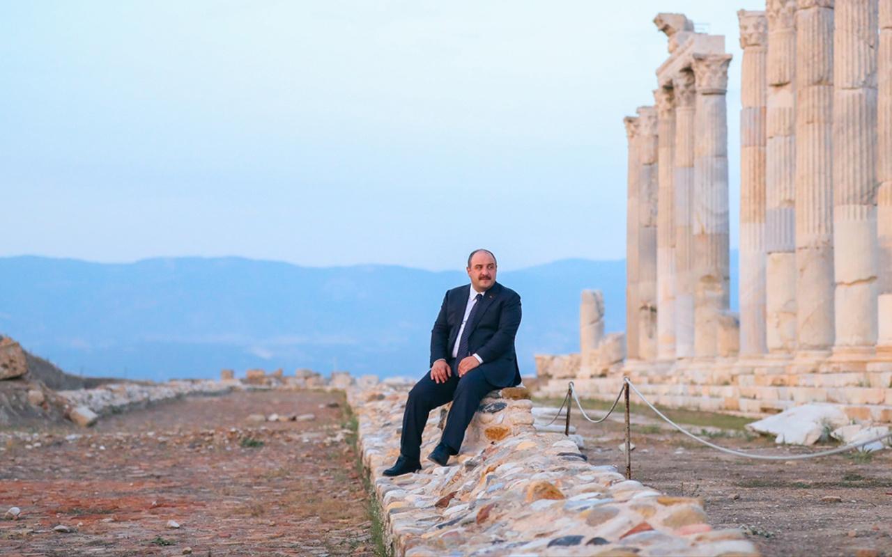 Sanayi ve Teknoloji Bakanı Varank, Laodikya Antik Kenti'ni ziyaret etti