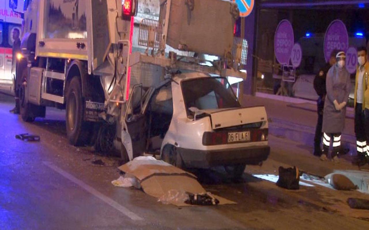 Ankara'da feci kaza: Otomobil çöp kamyonuna ok gibi saplandı