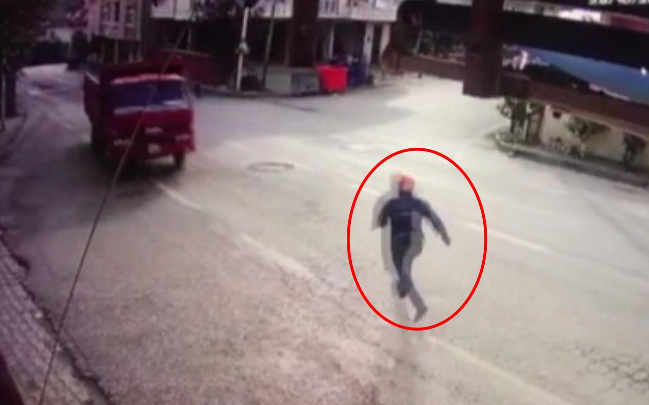 Bursa'da kamyonu park etti her şey bir anda oldu! Koşsa da yetişemedi