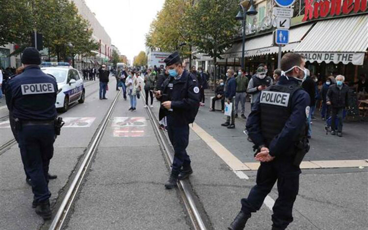 Kadın kafası kesilerek öldürüldü! Fransa'da kilise yakınında bıçaklı terör