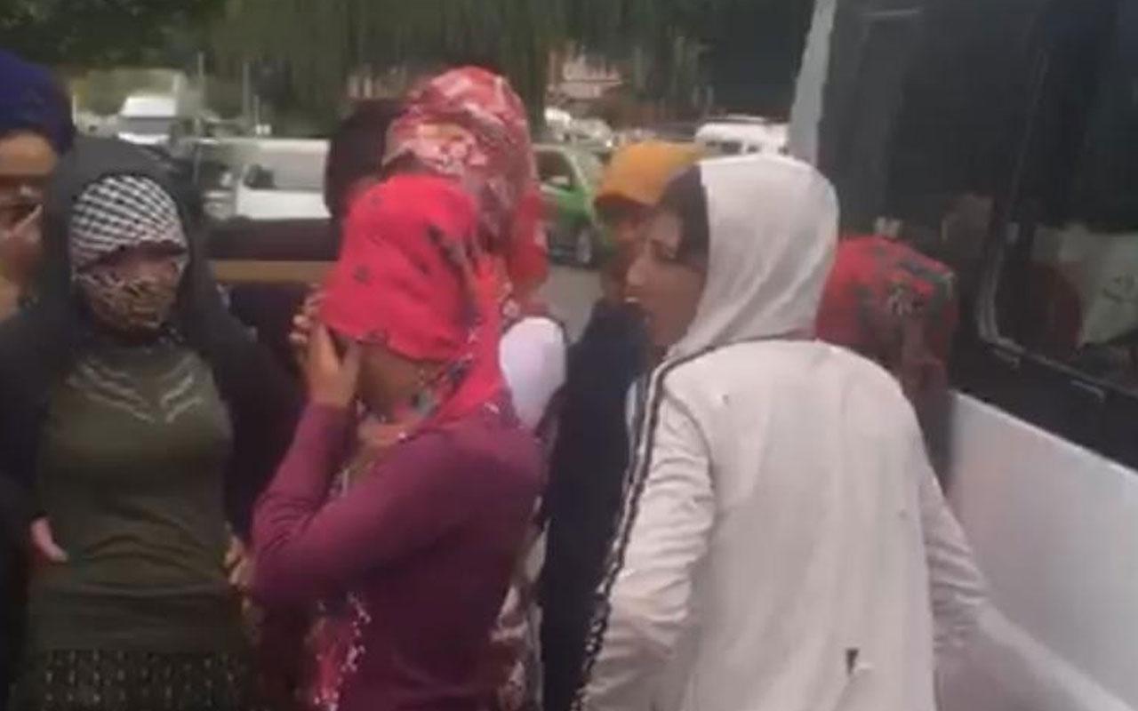 Adana'da pes dedirten görüntü! 14 kişilik minibüsten 37 kişi çıktı