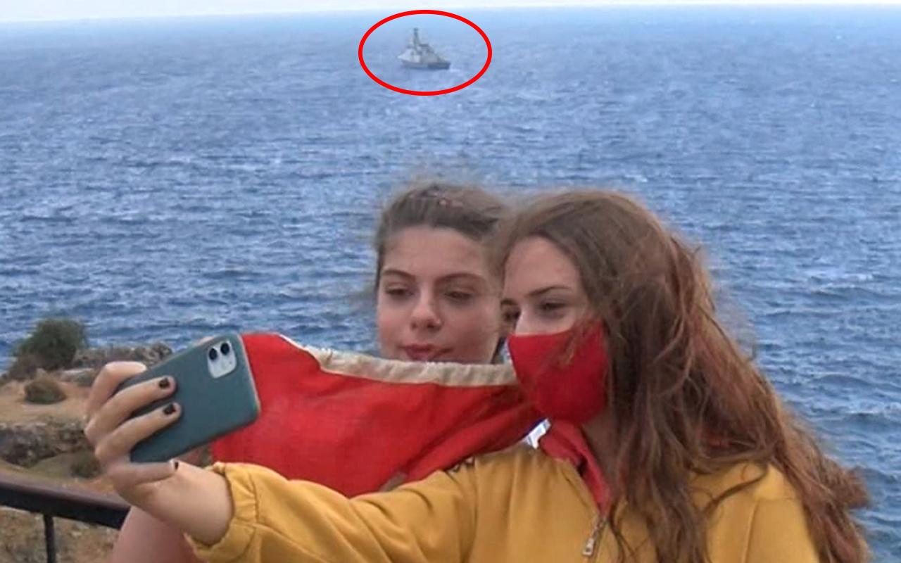 Antalya'da kıyıya yaklaştı gören hayran kaldı! Türkiye'de bir ilk oldu