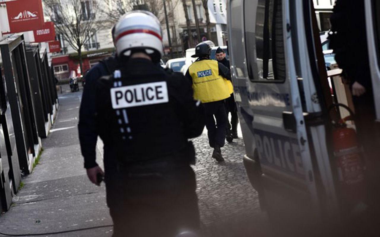Fransa'da kilise yakınında bıçaklı saldırı! Kadın kafası kesilerek öldürüldü