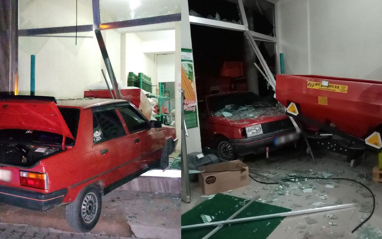 Tekirdağ'da alkollü sürücü aracıyla işyerine daldı