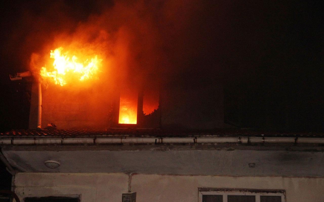 Zonguldak'ta yangın faciası! Alevlerin arasında kalan anne öldü, oğlu yaralandı