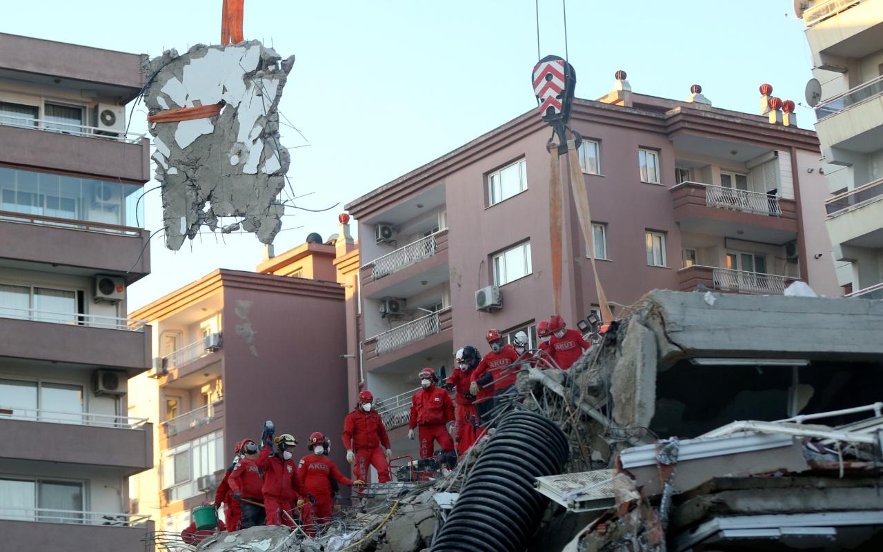 İzmir'de emlakçılar depremzedelerden komisyon almayacak