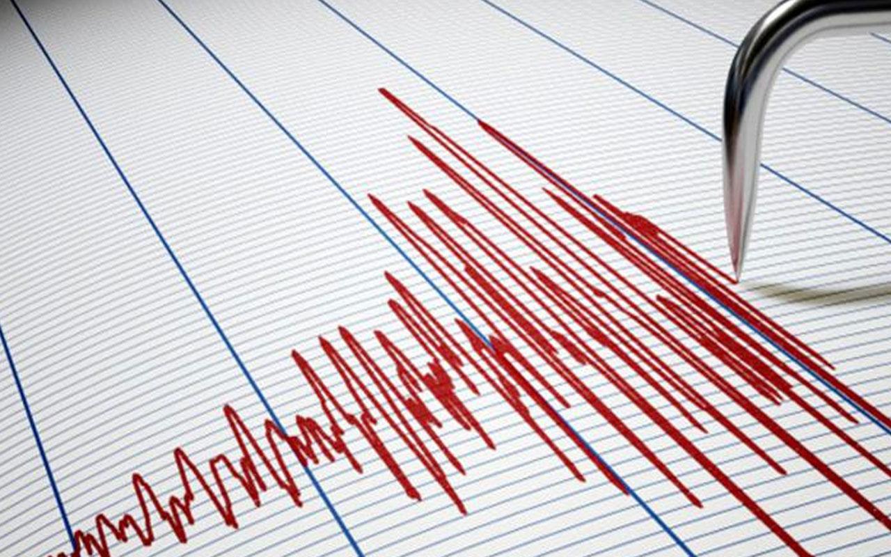 Ege Kuşadası Körfezi'nde 4.5 şiddetinde deprem! AFAD duyurdu