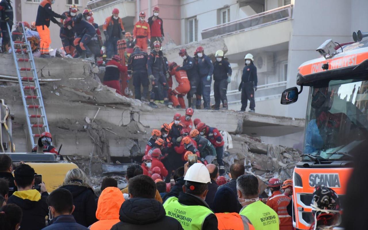 İzmir'deki Rıza Bey Apartmanı'nın enkazından acı haber