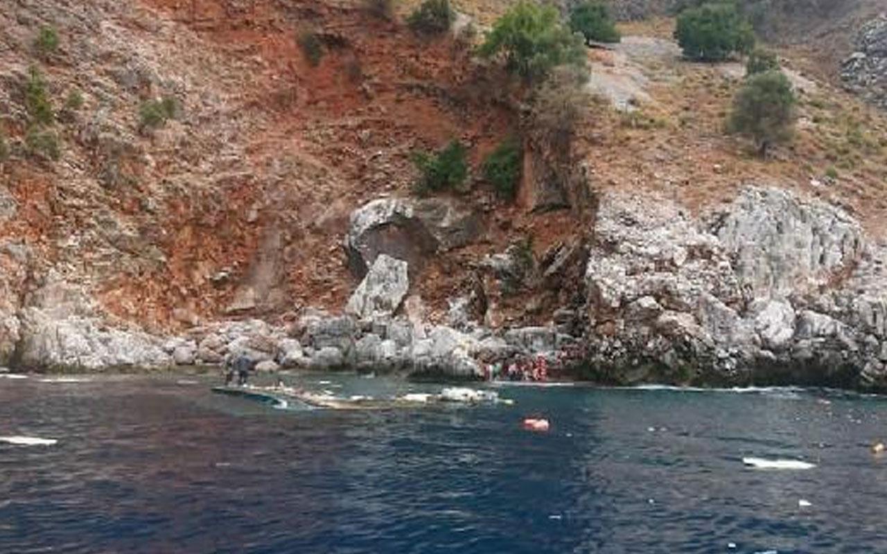 Antalya'da korku dolu anlar! Tur teknesi battı 1 kişi öldü