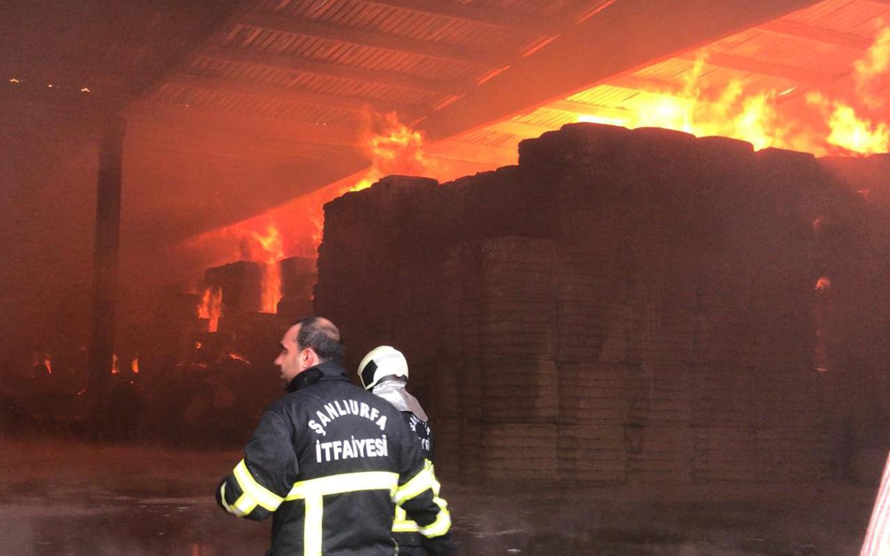 Şanlıurfa'da fabrikada yangın çıktı! Alev alev yanıyor