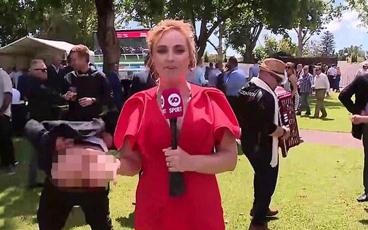 Avustralyalı muhabir canlı yayında tacize uğradı! Pantolonunu indirip...