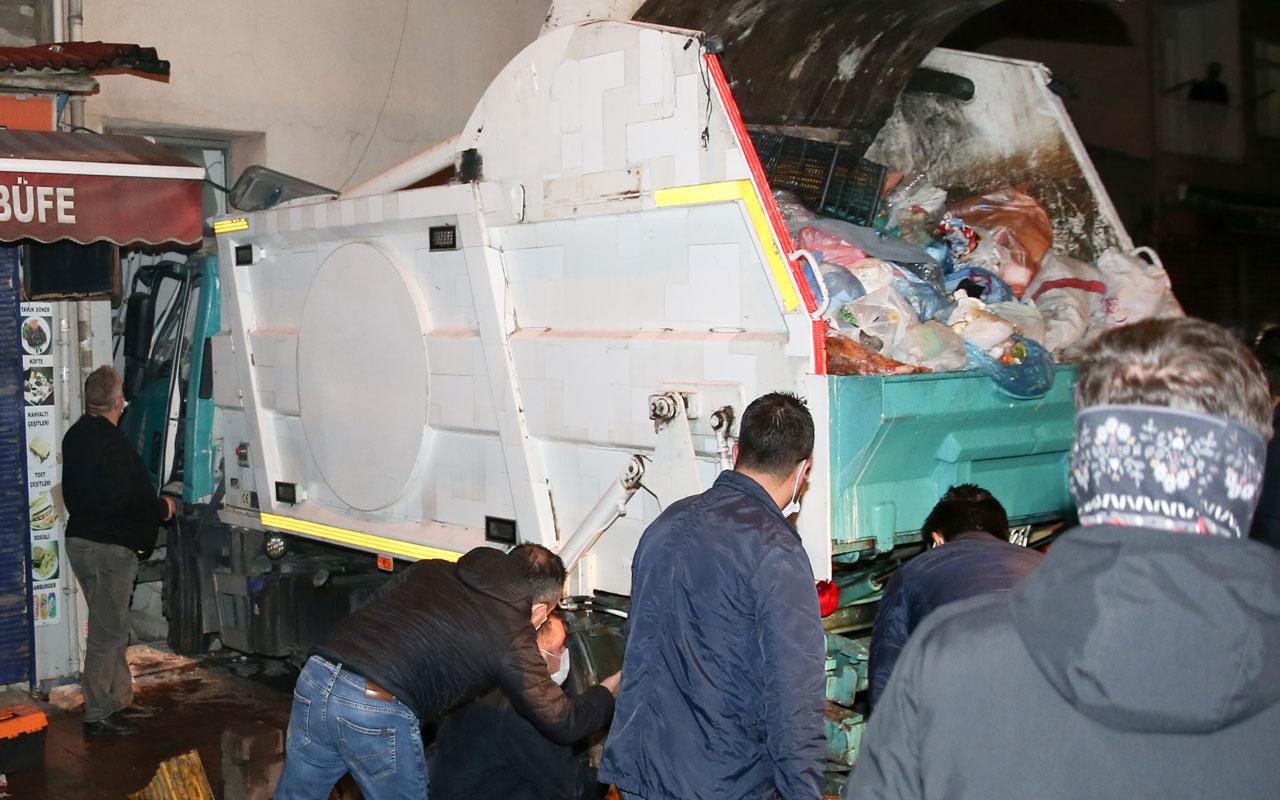 Feci kaza! Beyoğlu'nda yokuş inen kamyon binaya çarptı