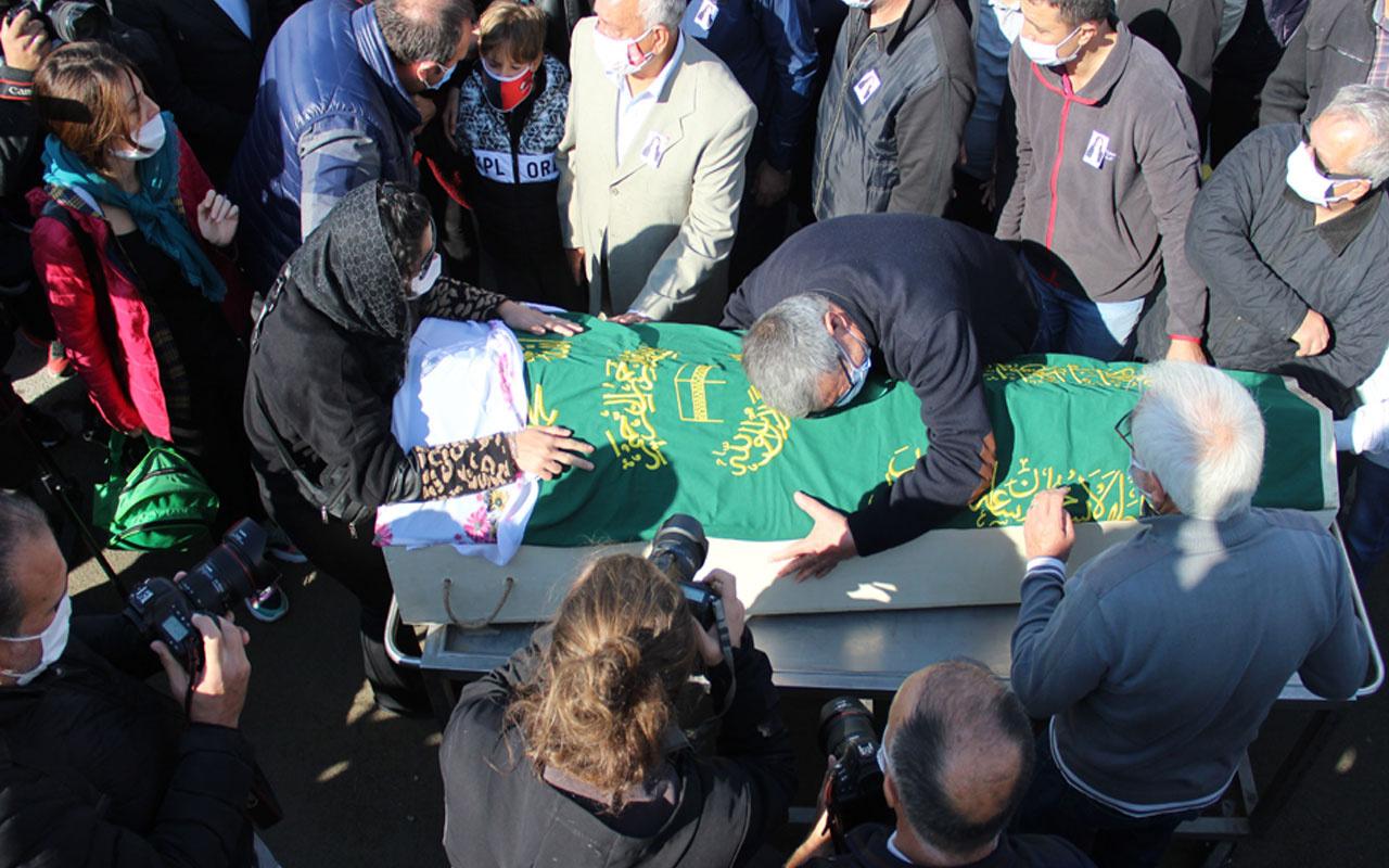 İzmir'de Ayda'nın annesi Fidan Keskin Gezgin'in cenazesi yürek yaktı