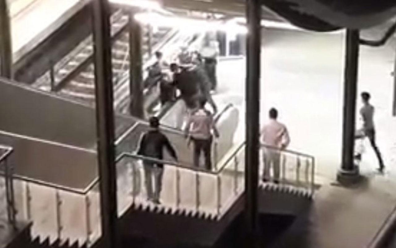 Marmaray'da kadın güvenlik görevlisine küfretti! Linç edilmekten zor kurtuldu