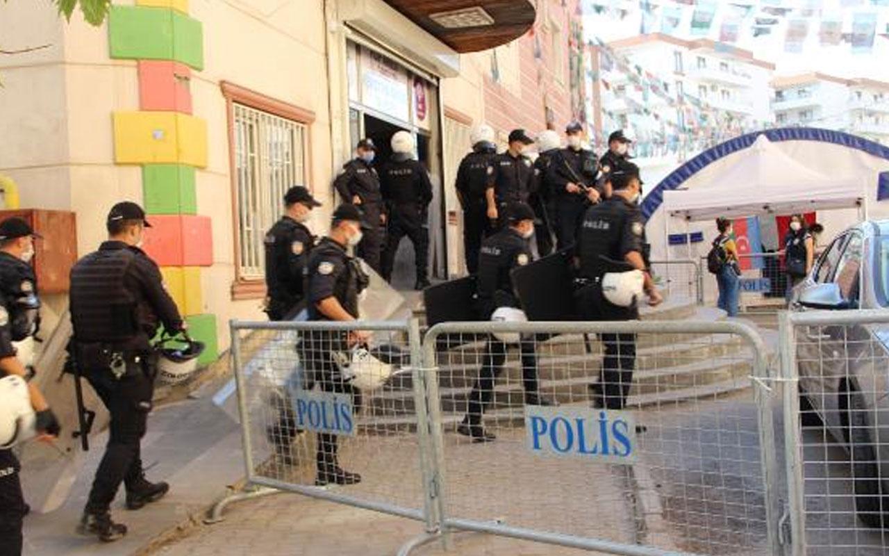 Diyarbakır'daki operasyon! HDP binasından PKK'nın kaçırdığı çocukların bilgileri olan ajanda çıktı