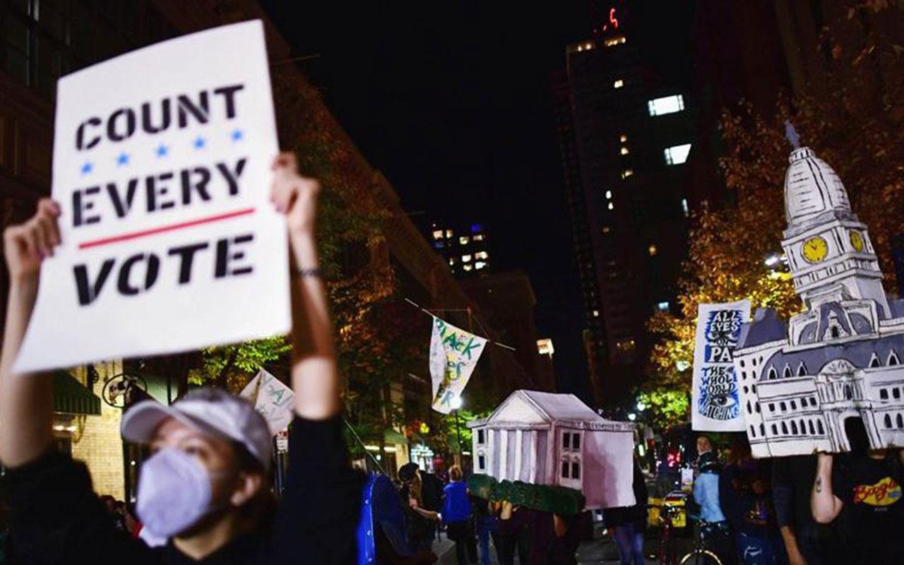 ABD'de seçimin kaderini değiştirecek olay! Pensilvanya'da 1700 oy pusulası bulundu