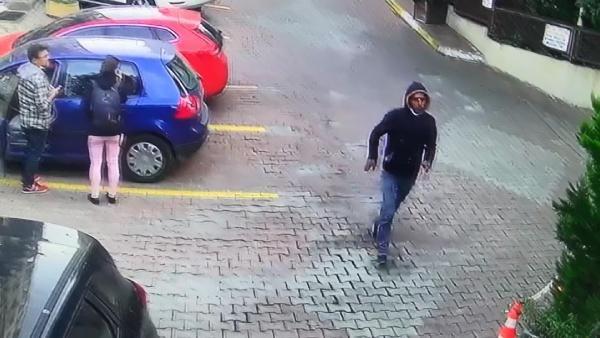 Şişli'de kadını taciz edip telefonunu çalan şüpheli yakalandı! Güvenliğe bıçak çekti