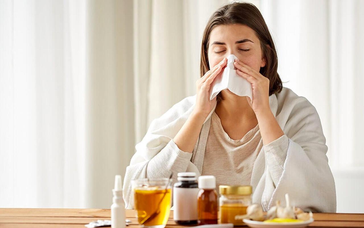 İngiltere'de ilginç araştırma: Soğuk algınlığı koronavirüsü etkisiz hale getiriyor