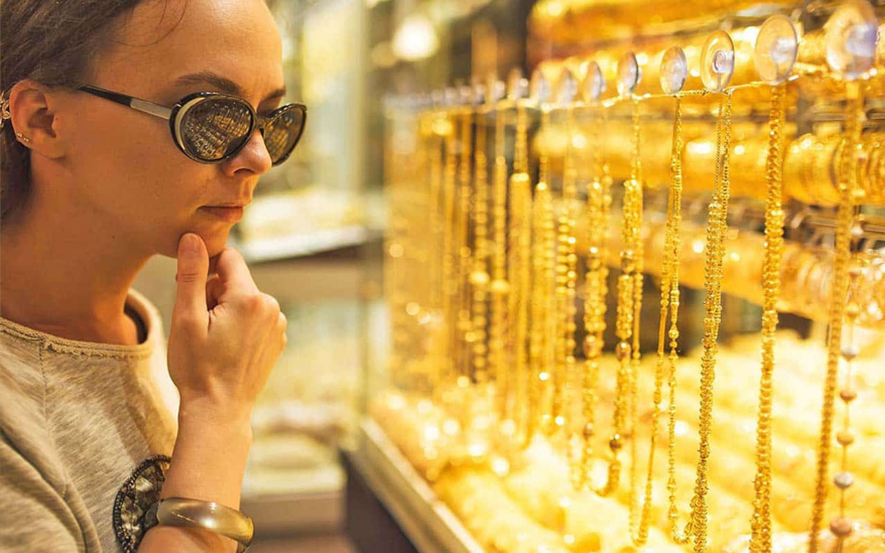 Haftaya düşüşle başlayan altın fiyatlarında son durum