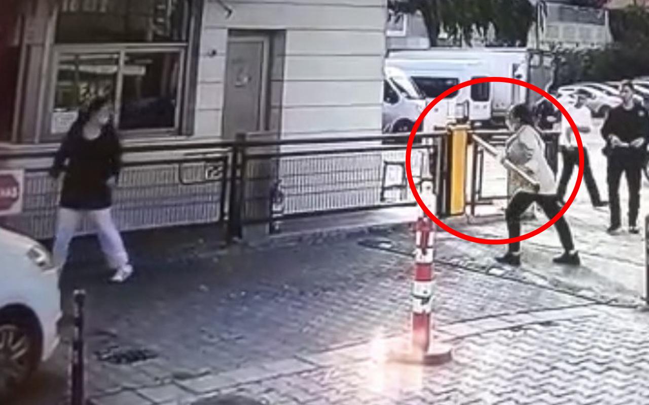 İstanbul'da kargo paketi kapısına çıkartılmayan kadın dehşet saçtı! Bariyeri kırdı