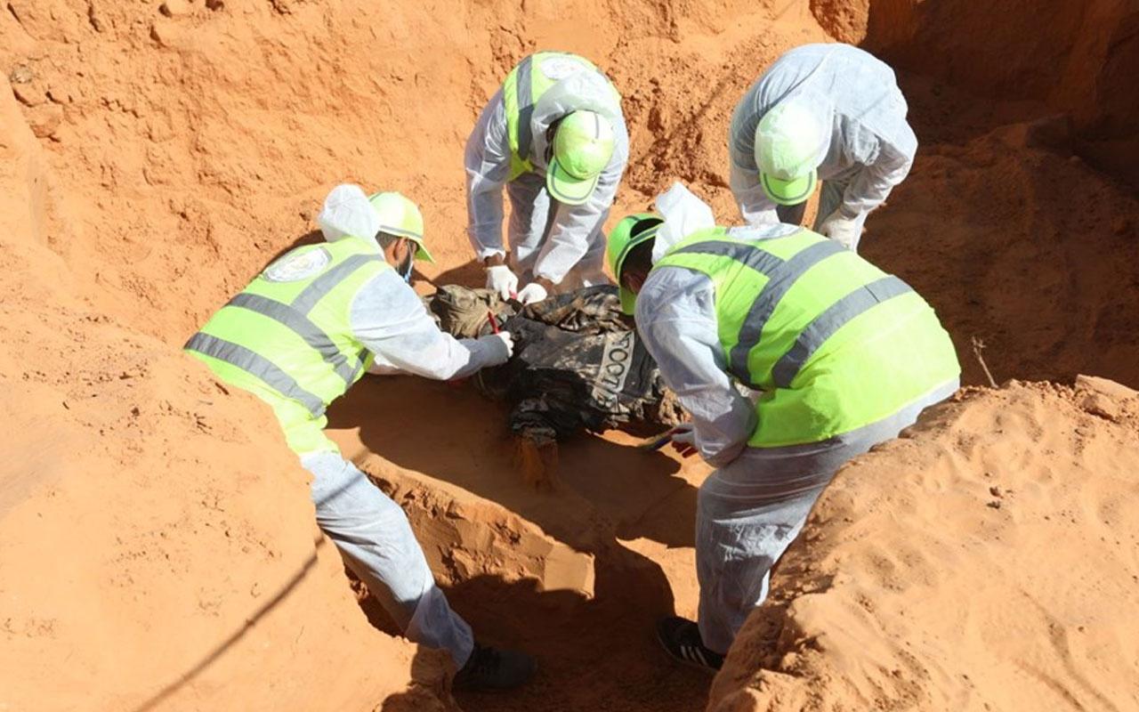 Libya'da her gün yeni toplu mezar bulunuyor! Ekipler 17 cesede daha ulaştı