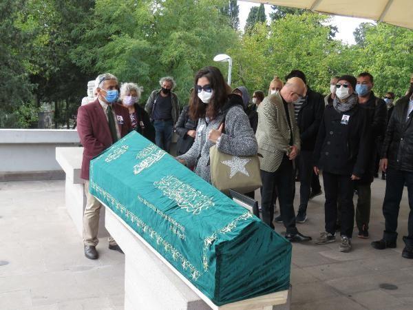 Ahmet Uz'un cenazesinde büyük ayıp! Sadece bir ünlü oyuncu törene katıldı