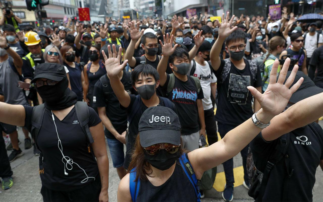 ABD'den Çinli yetkililere Hong Kong yaptırımı