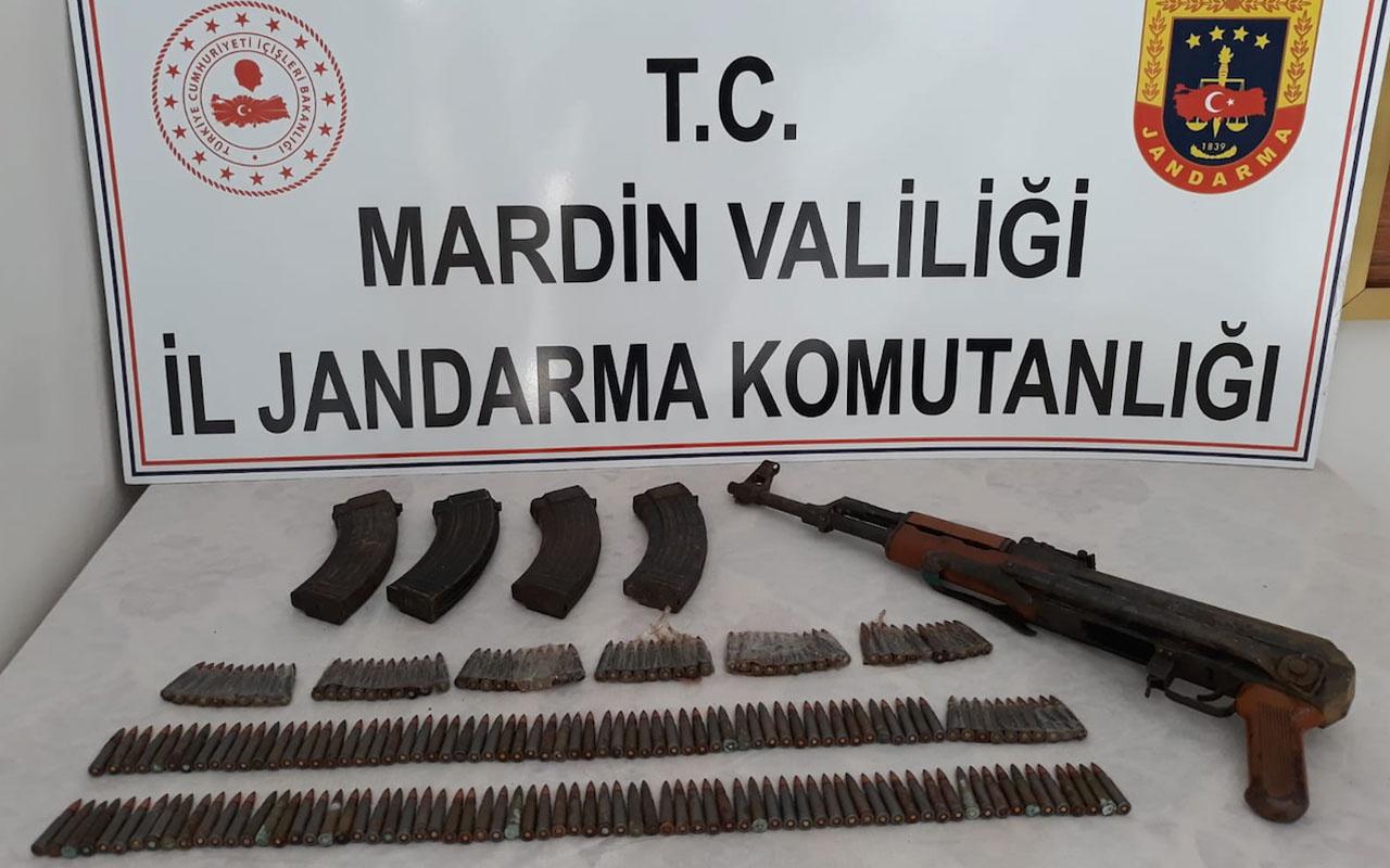 Mardin'de teröristlere ait silah ve mühimmat ele geçirildi