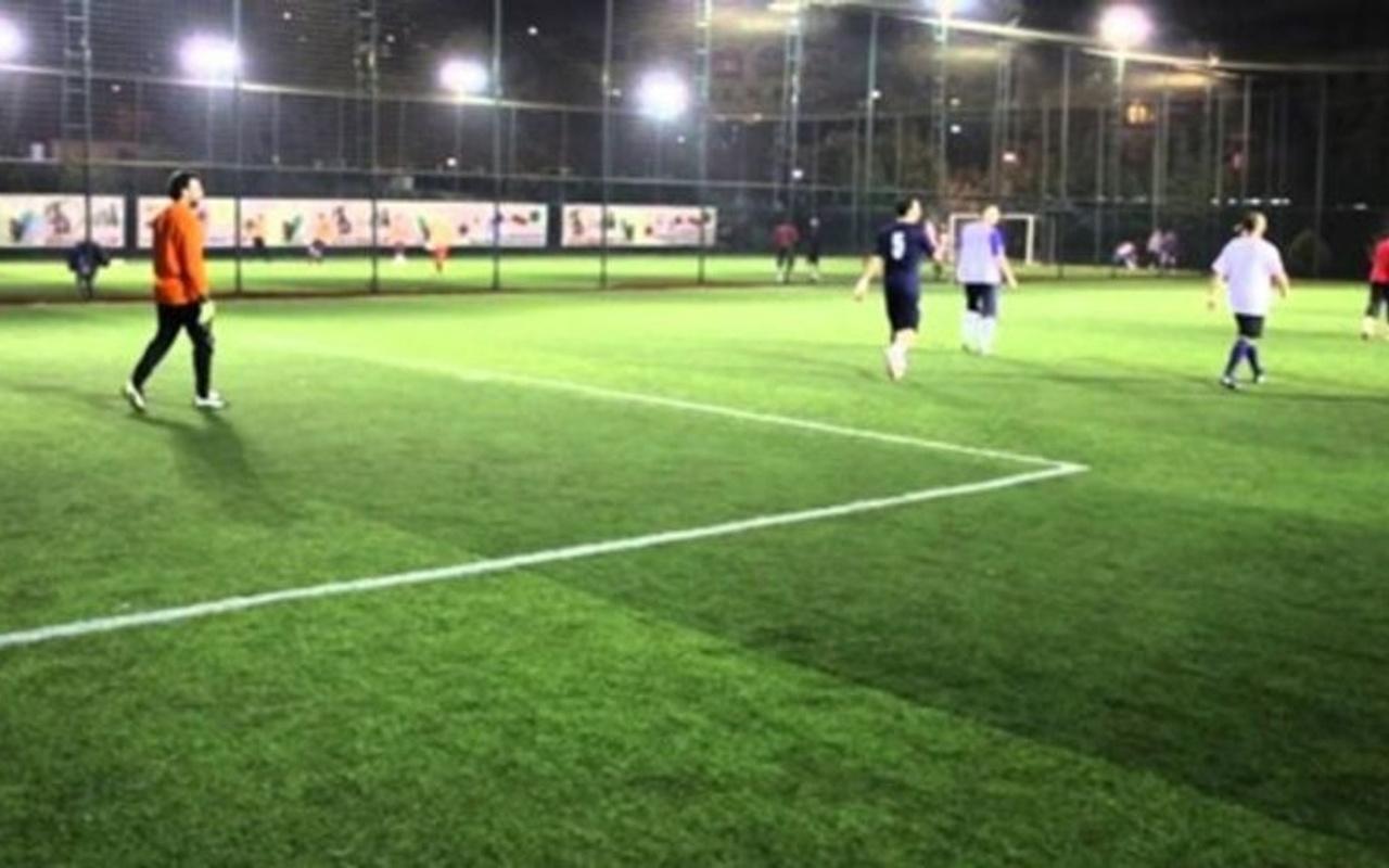 Mersin'de halı sahada futbol oynayan 13 kişi ile işletme sahibine ceza kesildi