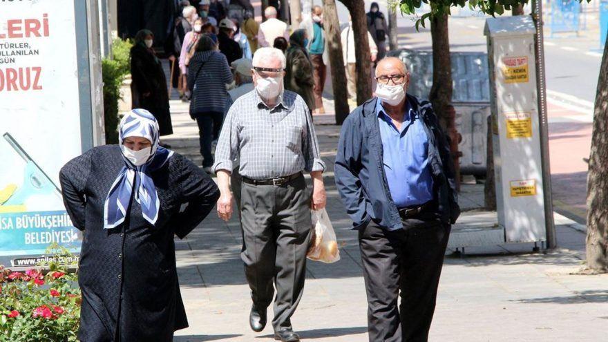 Ankara ve İstanbul da var! 27 şehirde 65 yaş üstüne sokağa çıkma yasağı geldi