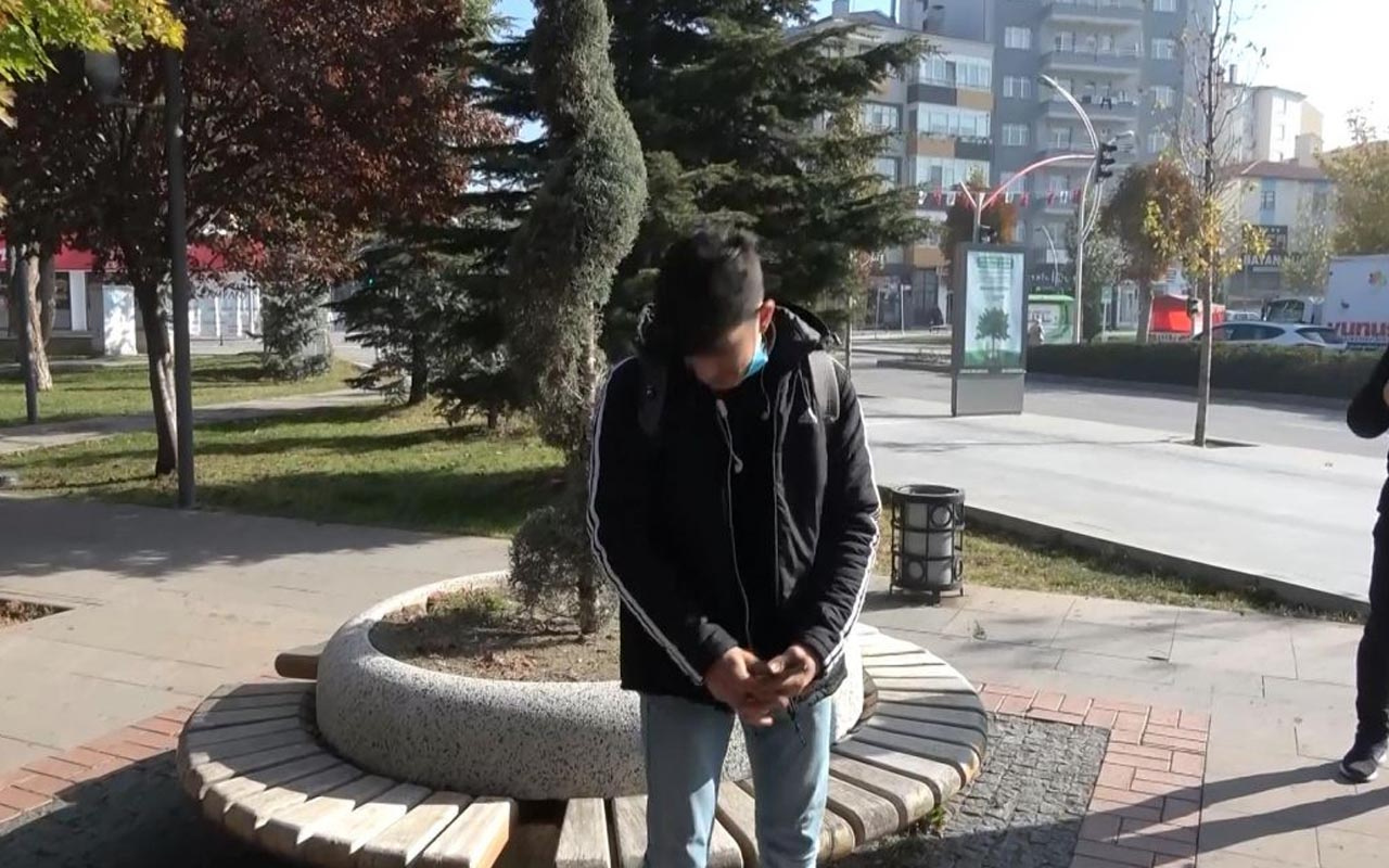Çorum'da belediye başkan yardımcısı caddede sigara içen gence sordu: Delikanlı...