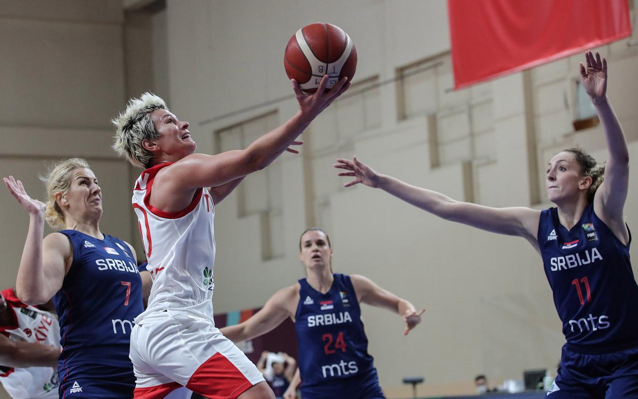 A Milli Kadın Basketbol Takımı ikinci uzatmalarda Sırbistan'a yenildi