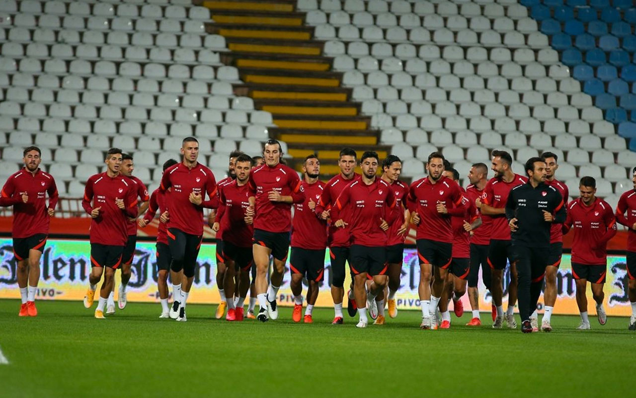 Türkiye-Rusya maçı saat kaçta, hangi kanalda? Zorlu maçın muhtemel 11'leri belli oldu