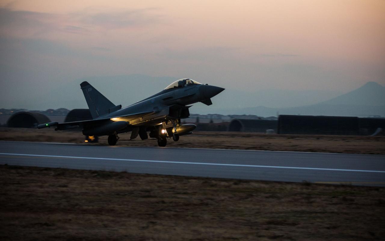 İngiltere Kraliyet Hava Kuvvetlerinin iki uçağı Konya'ya geldi
