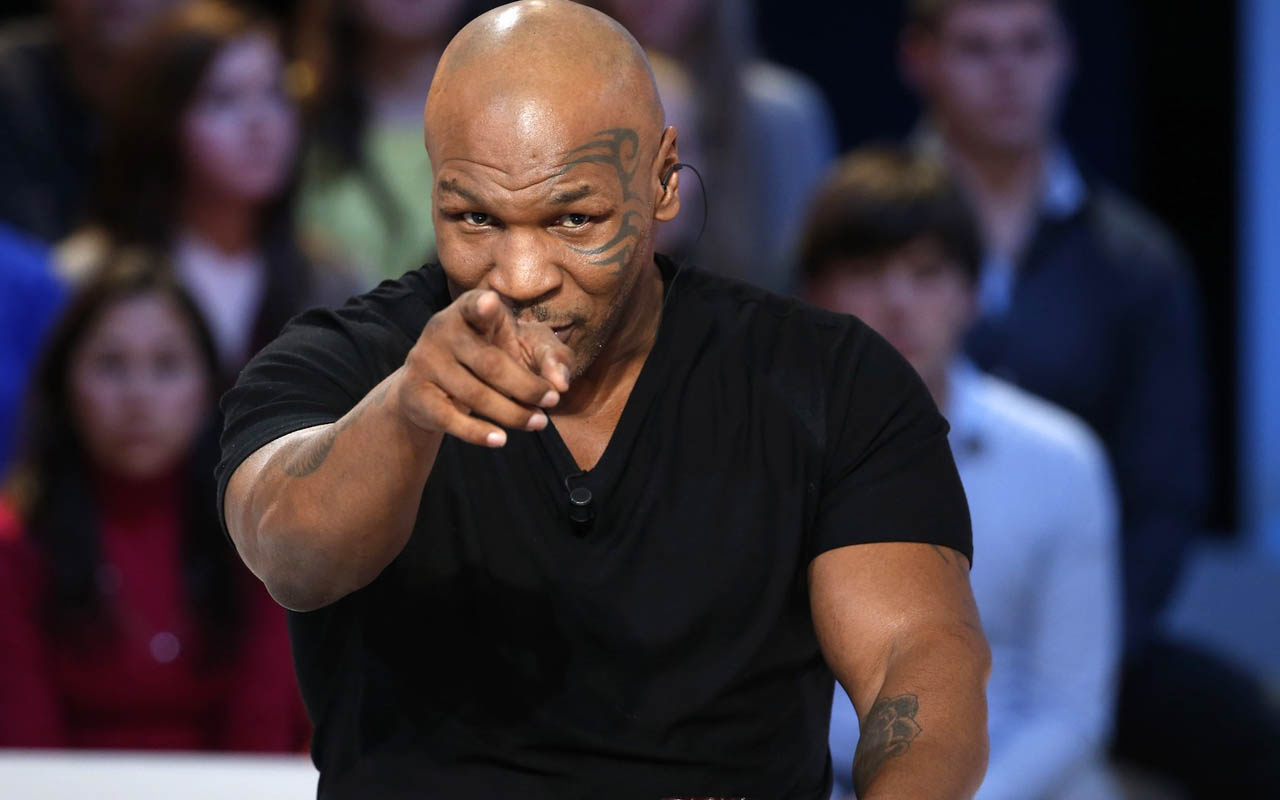 54 yaşındaki ünlü boksör Mike Tyson ringe geri dönüyor