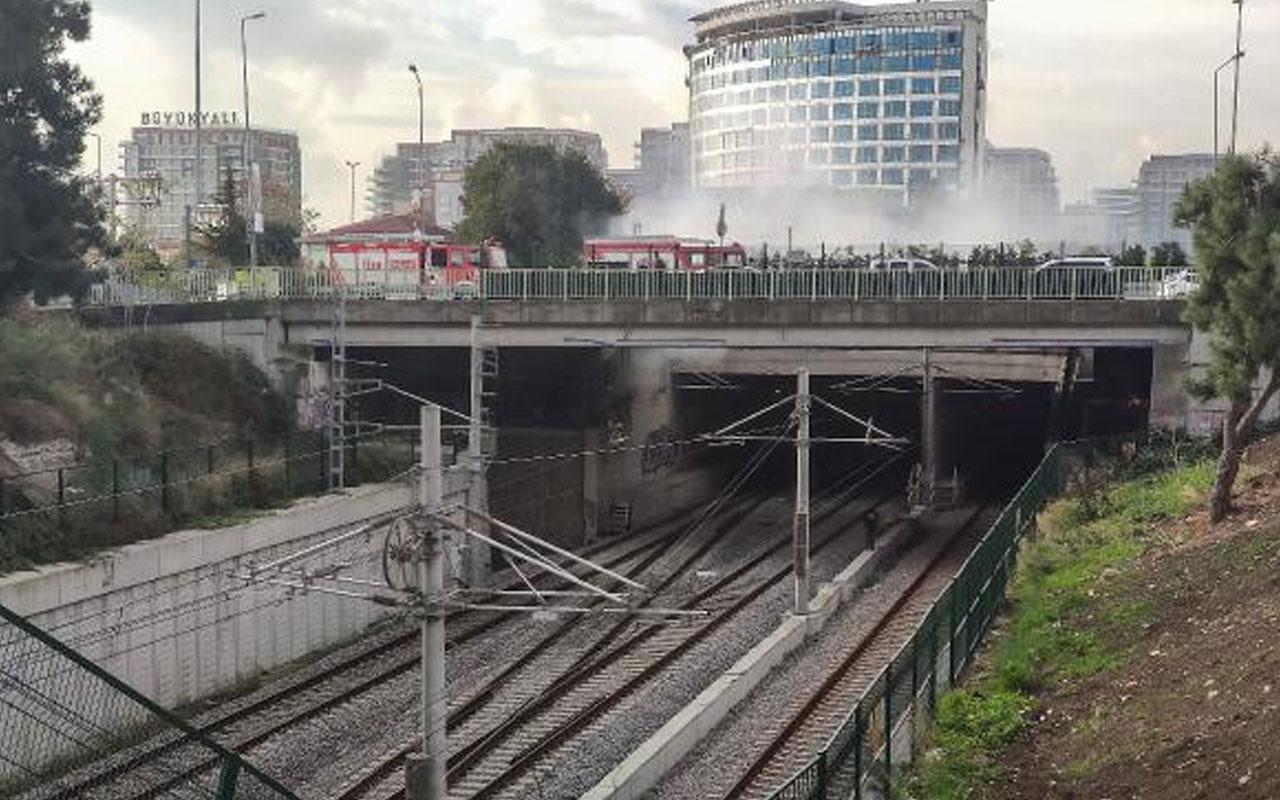 Zeytinburnu'nda yangın çıktı! Marmaray seferlerinde aksama