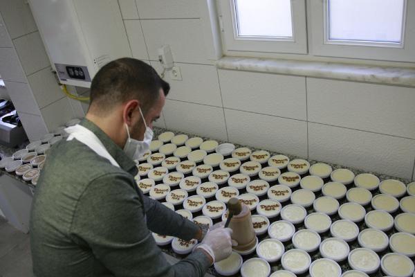 Bursa'da köfteci yapıyor yanında çalışan usta bile tarifi bilmiyor!