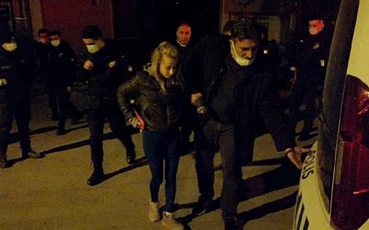 Karabük'te komşular polisi aradı! Tartıştığı kocasını sırtından bıçakladı