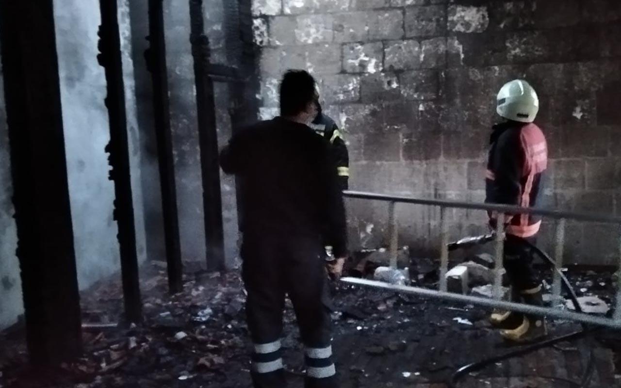 Siirt'te 130 yıllık tarihi camiye çirkin saldırı