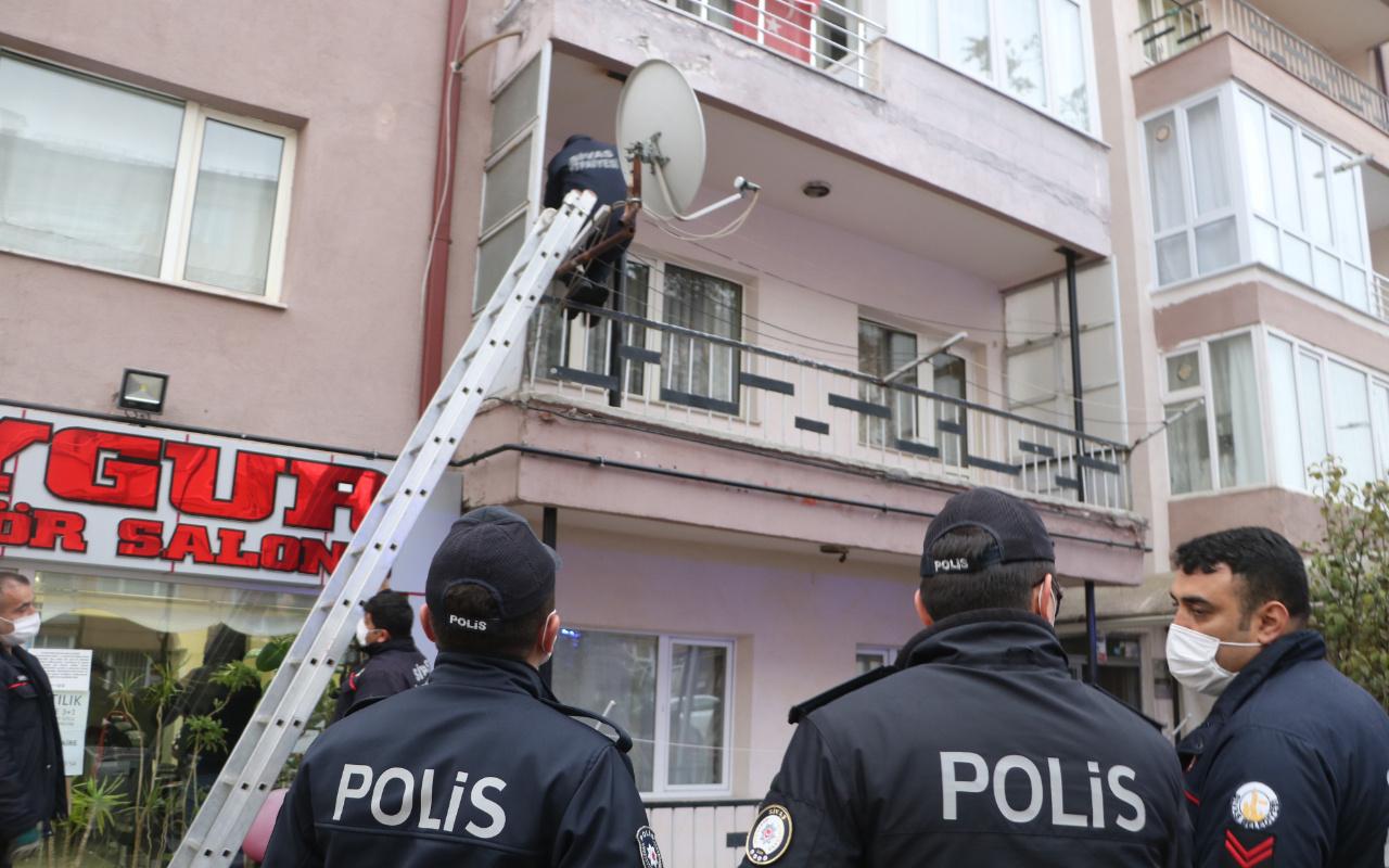 Sivas'ta komşuları günlerdir haber alamadı! Balkondan girince şok oldular