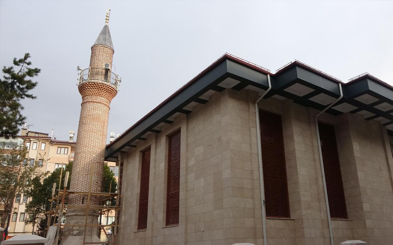 Sivas'ta ilginç olay! Bu cami 5 kez yıkıldı minaresi 4 asırdır ayakta
