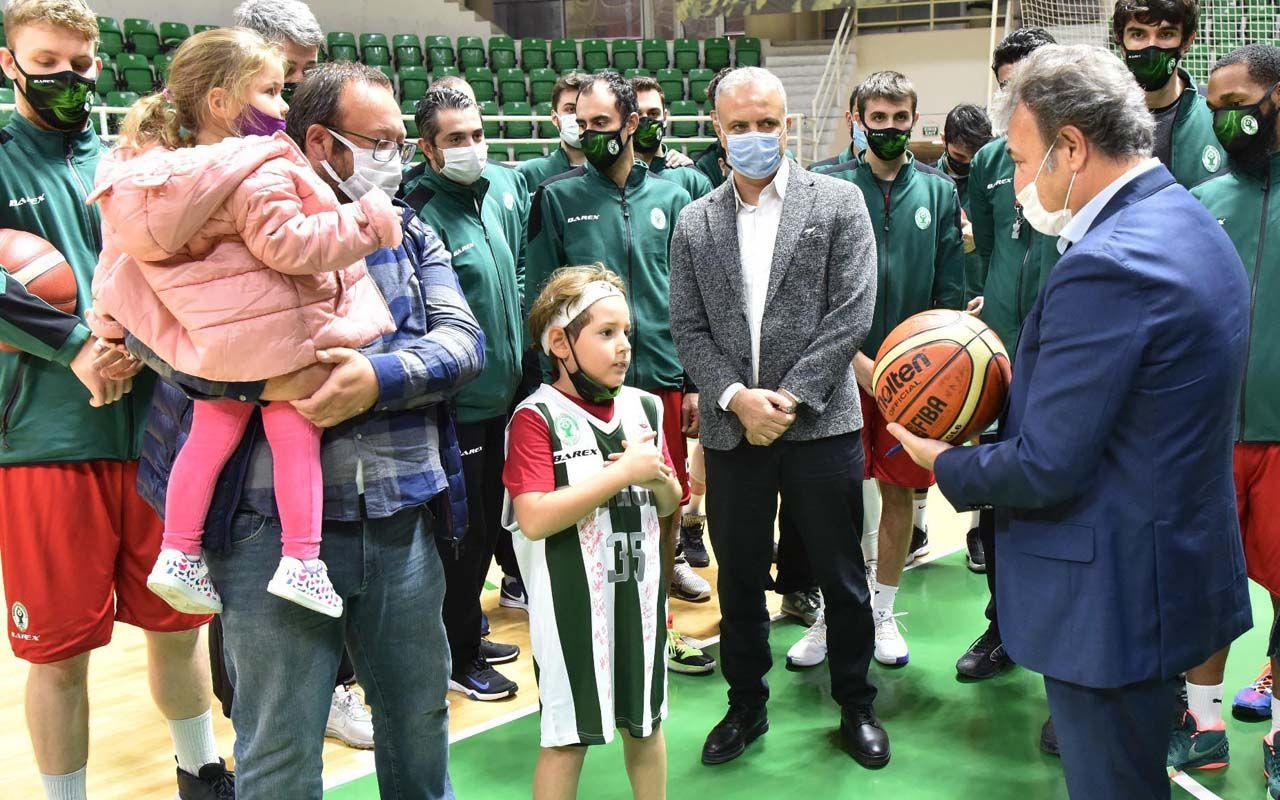 İzmir'deki depremin mucizesi Ayda'dan içleri ısıtan 'iyiyim' pozu