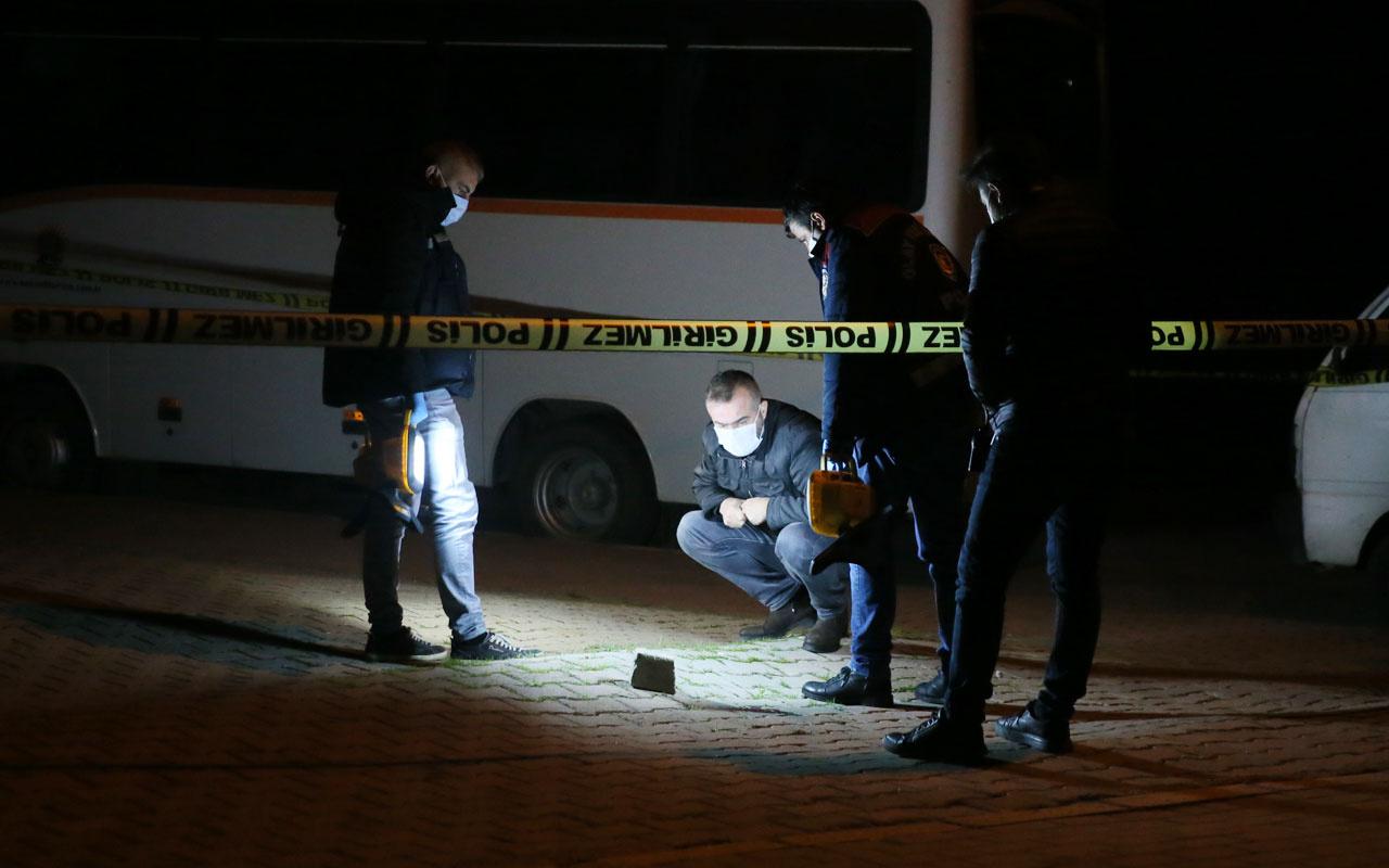 Kocaeli'de sokaktan gelen silah sesleri ve yerdeki kan izleri polisi harekete geçirdi