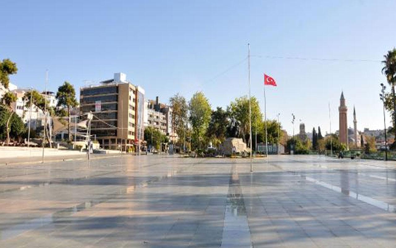 Antalya'da son durum! Yasaklar yanlış anlaşılınca sokaklar boş kaldı