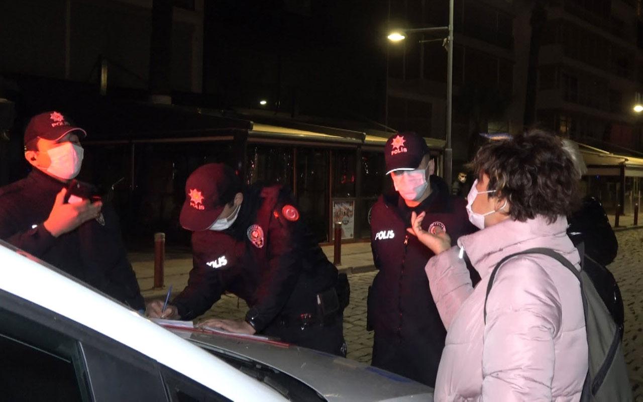 İzmir'de maskesiz gezen iki kadın polisle tartıştı benim canımı sıkmasınlar polismiş ne bunlar ya