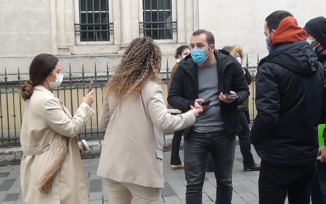İstanbul İstiklal Caddesi'nde polise karşı gelen kadın turistler gözaltına alındı