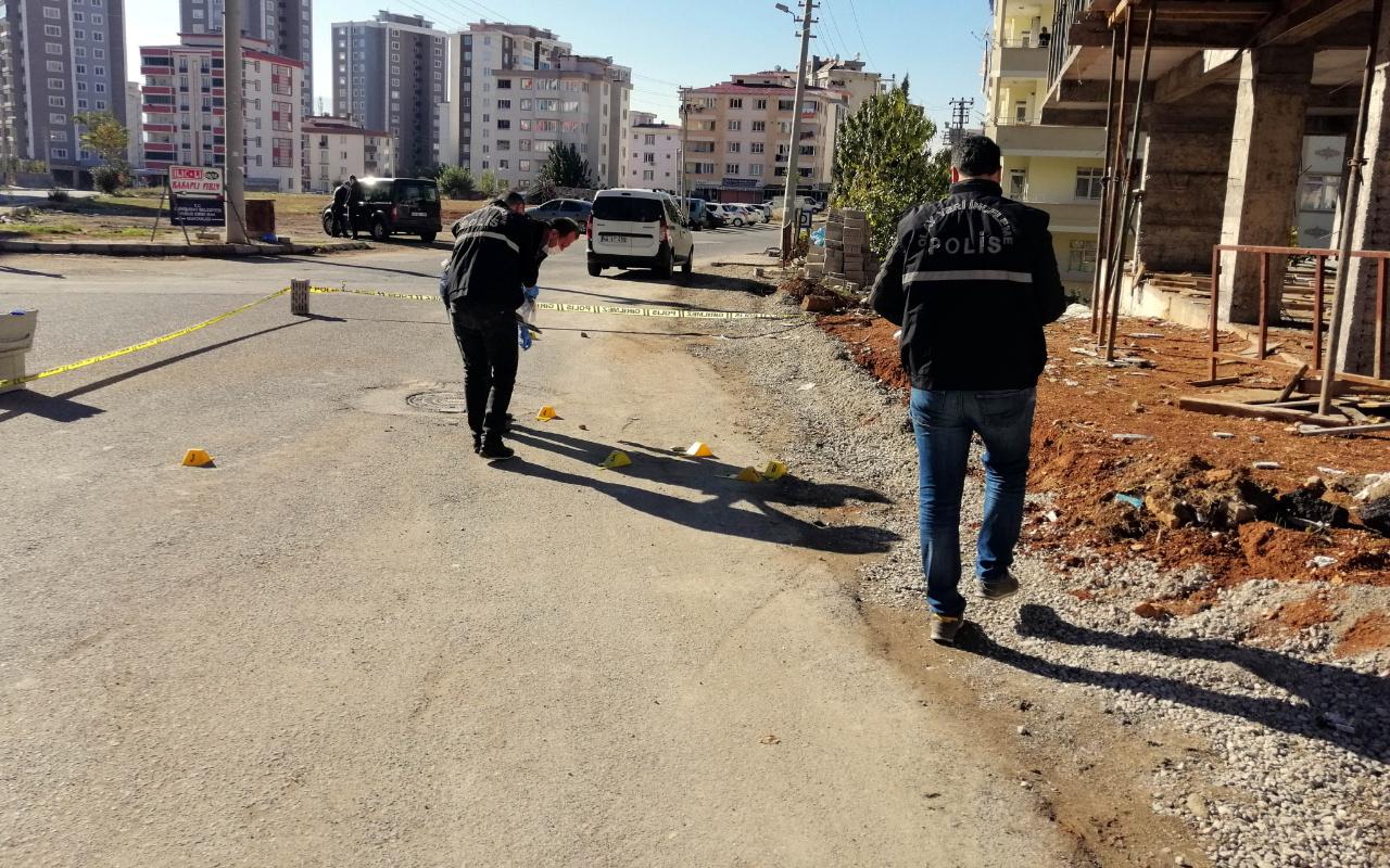 Kahramanmaraş'ta bir kişi sevgilisini rahatsız eden şahsı ayaklarından vurdu