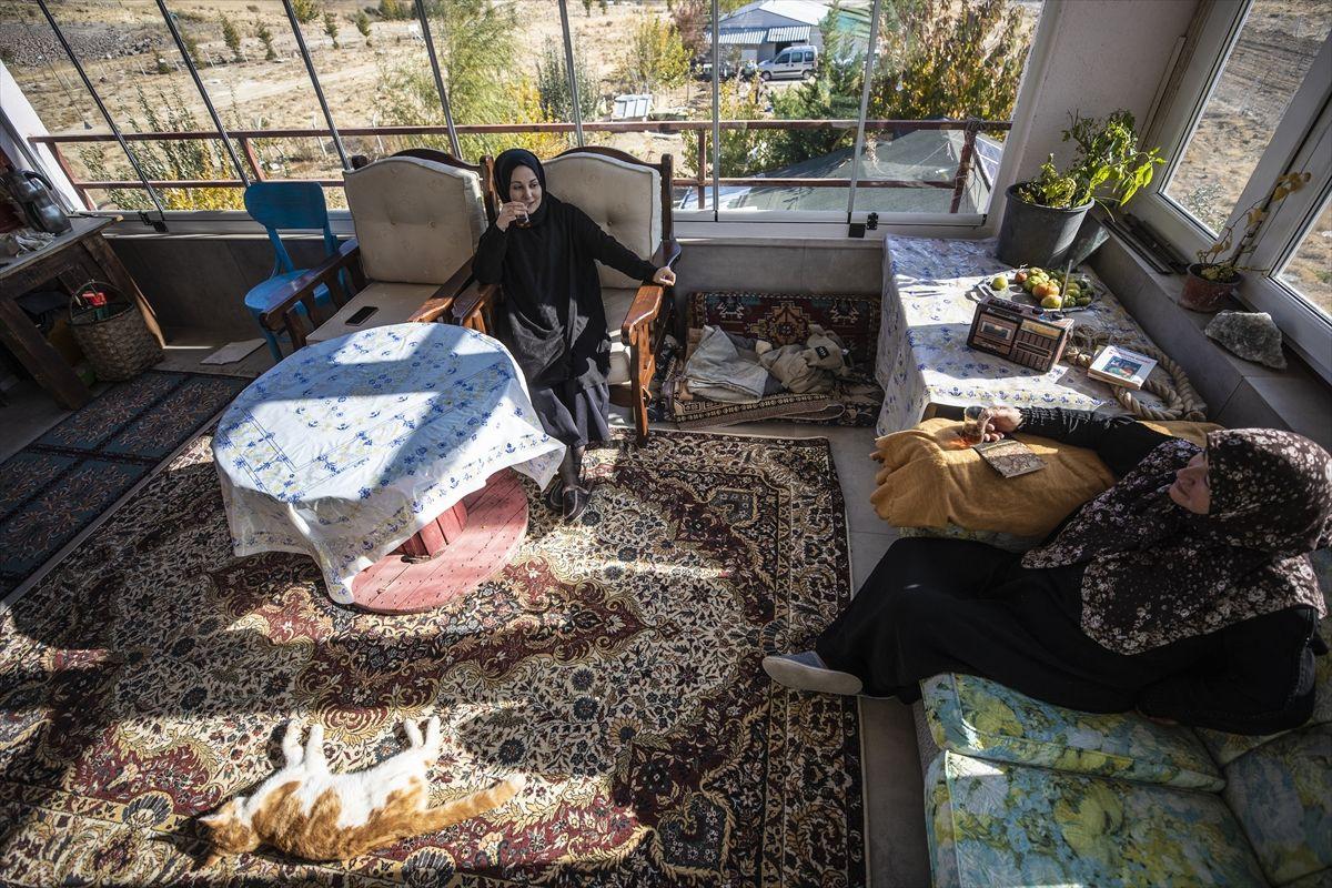 Ankara'da lüks evini bıraktı köye yerleşti marketin ve hastanenin yolunu unuttu