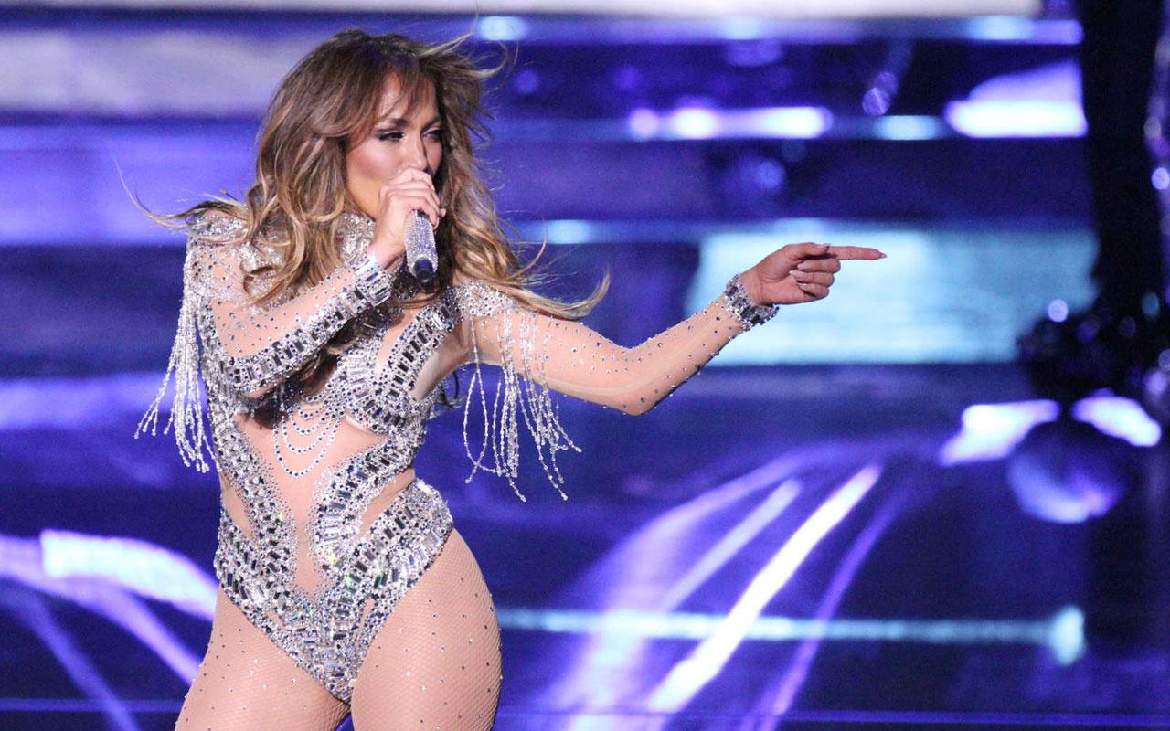 Türk fotoğrafçı Mert Alaş'a Jennifer Lopez çıplak pozlar verdi beğeni yağdı
